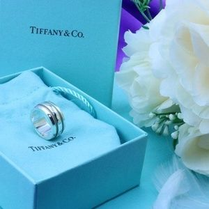 New article condition Tiffany&Co. ring 11